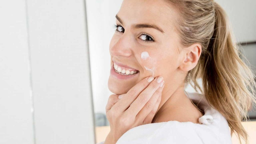 Treating Dry Skin with 8 Simple Skin Care Rules