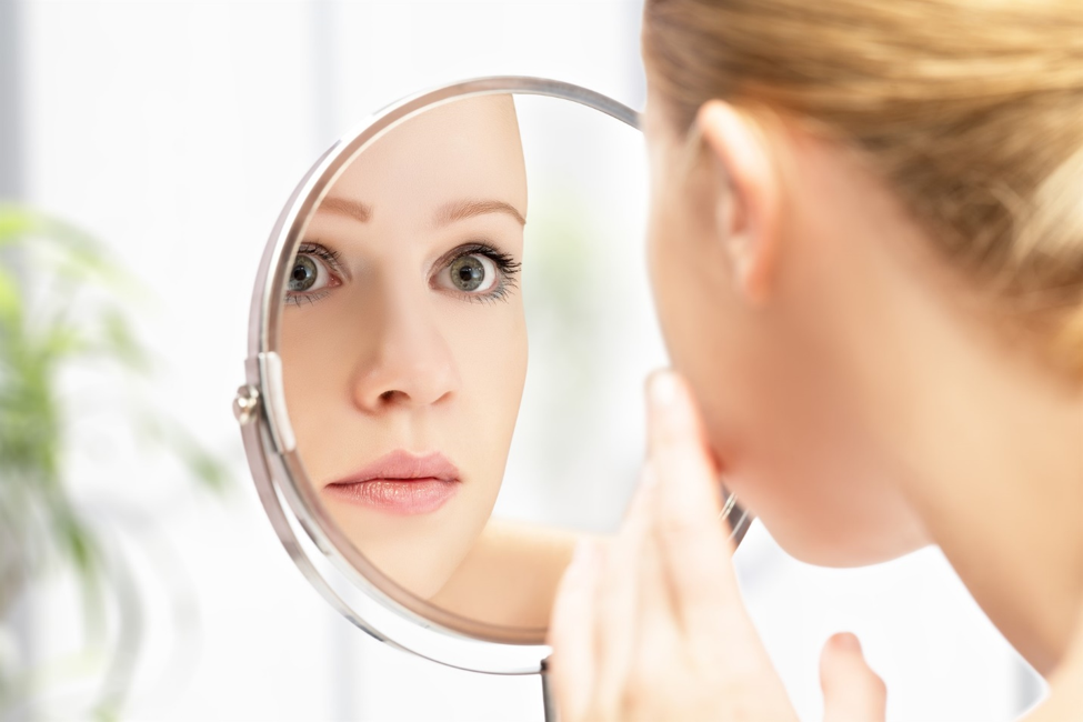 Simple Dermatologist Tips to Younger Looking Skin in the Morning