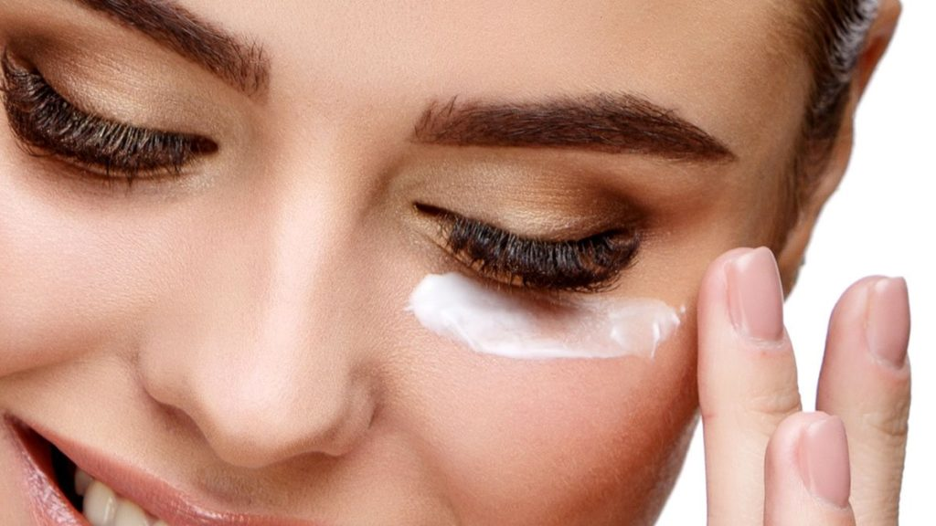 Best Eye Cream: How To Apply Eye Cream & What Does It Do?